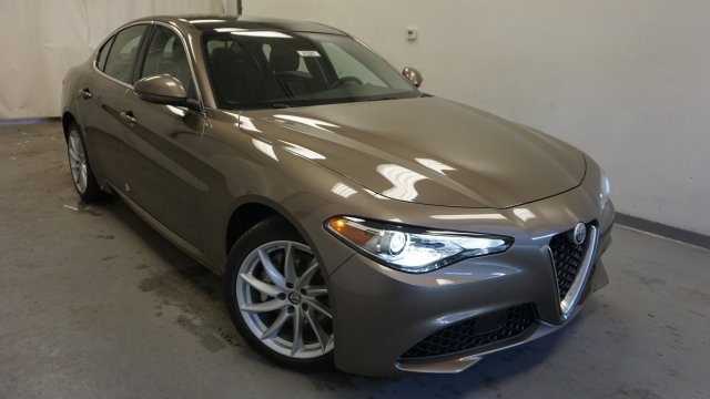 New 2019 Alfa Romeo Giulia Base Sedan In Albany A321 Alfa Romeo
